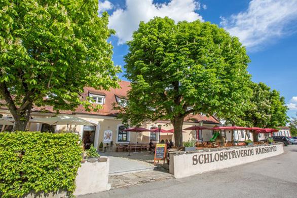 Pommers Schlosstaverne in Braunau